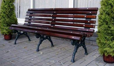 Деревянные скамейки